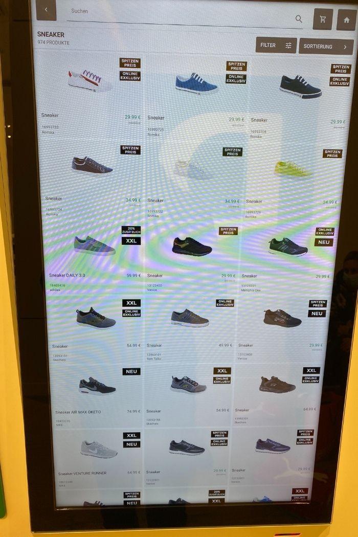 Kunden können bei Deichmann zahlreiche Produktanzeigen ansehen